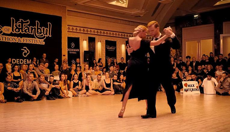 Танец Катерины Зак и Макса Извекова