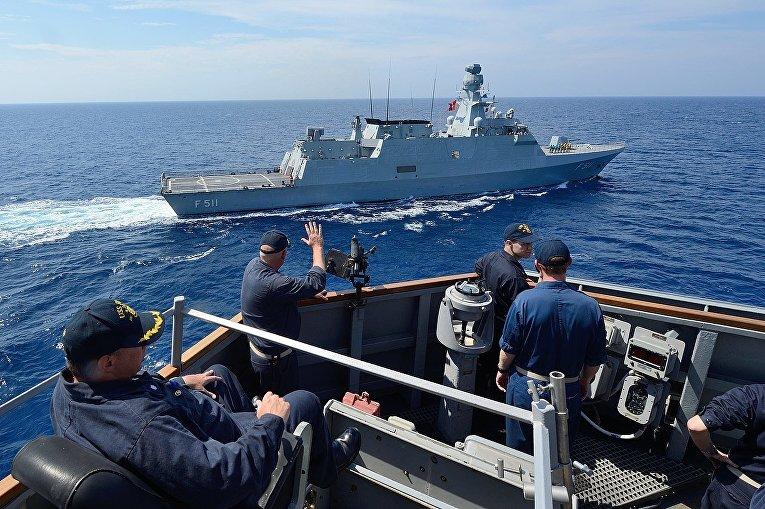 Корвет F511 Heybeliada в Средиземном море