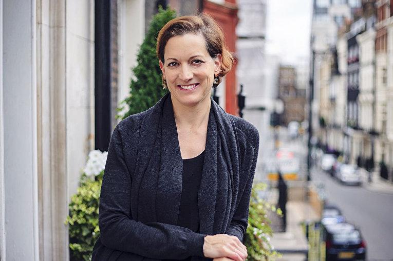 Американо-британская журналистка и писательница Энн Эпплбаум