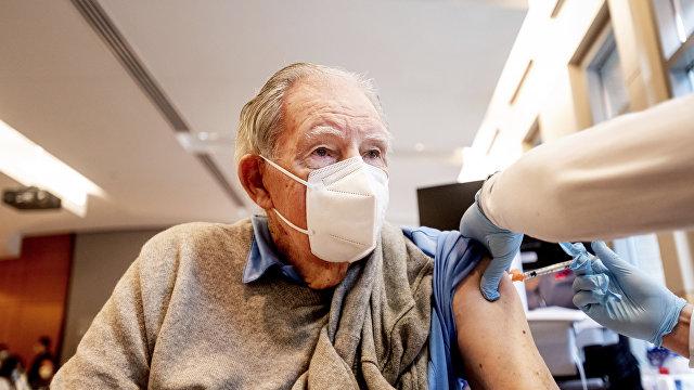 The British Medical Journal (Великобритания): вакцина Pfizer-BioNTech вероятно привела к смерти некоторых пожилых пациентов, говорится в норвежском д
