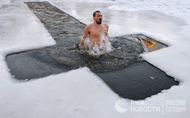 Праздник Крещения в странах ближнего зарубежья