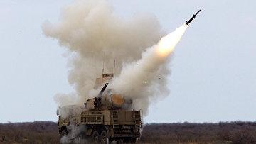 Пуск ракеты зенитно-ракетным комплексом «Панцирь-С»
