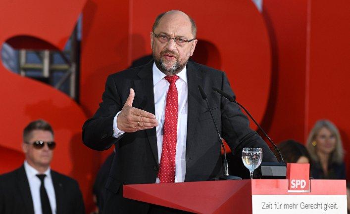 Глава Социал-демократической партии Германии Мартин Шульц во время предвыборного выступления