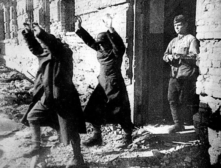 Немецкие пленные в Сталинграде. 25 января 1943 года