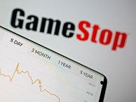 Акции GameStop на экране смартфона