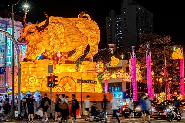 Фигура быка в китайском квартале Сингапура
