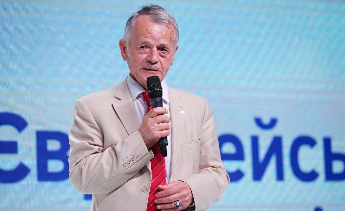 Политик Мустафа Джемилев