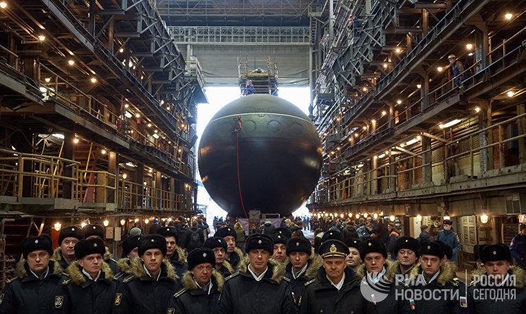 """Спуск на воду подлодки """"Магадан"""" для ВМФ России"""