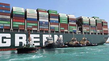 Продолжаются попытки снять с мели судно Ever Given в Суэцком канале
