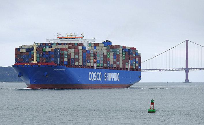 Контейнеровоз Cosco Shipping в Сан-Франциско