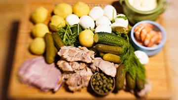 Ингредиенты для приготовления салата «оливье»