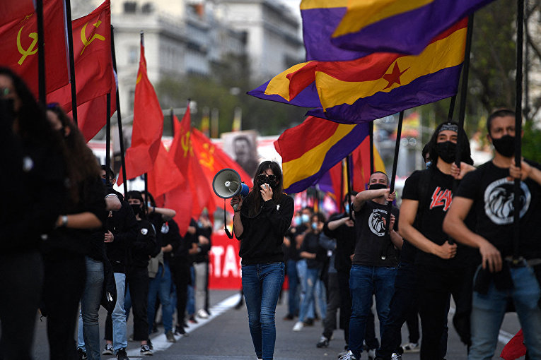 Участники демонстрации в Мадриде, Испания