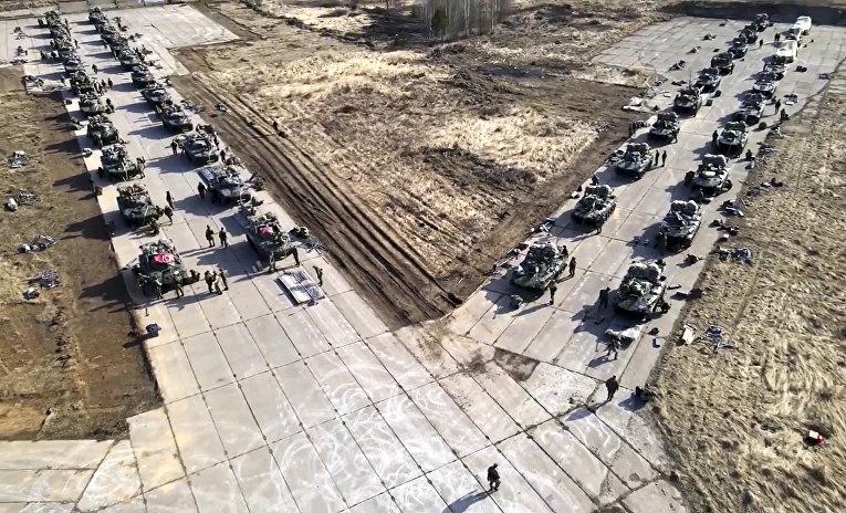 Российская техника готовится к учениям в Крыму