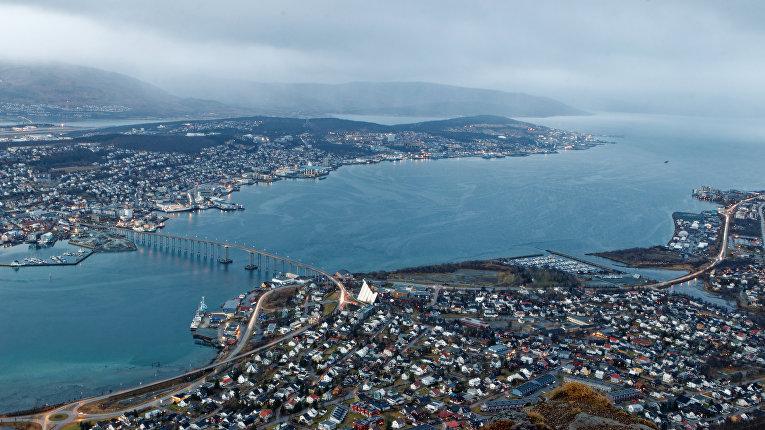 Вид на город Тромсё, Северная Норвегия