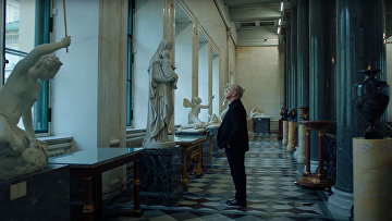 Вокалист Rammstein Тилль Линдеманн исполняет советскую песню «Любимый город»