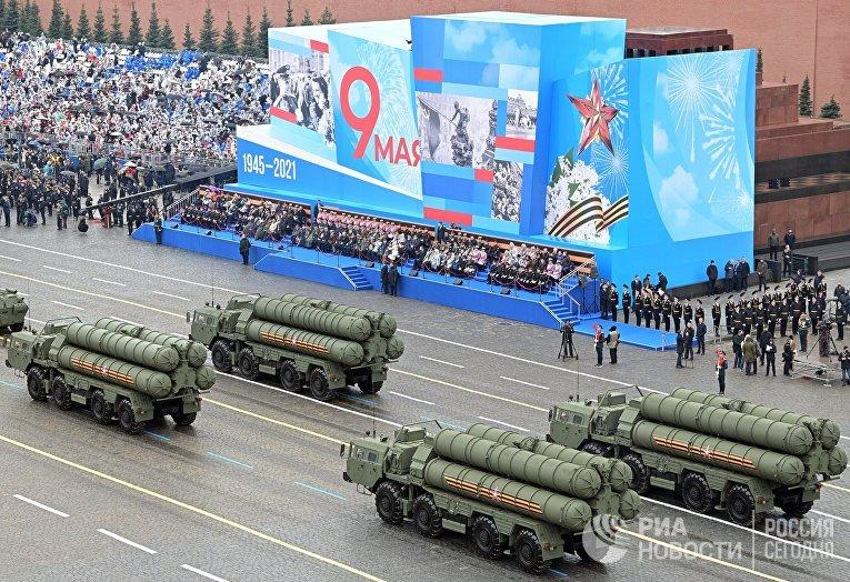 Военный парад в честь 76-й годовщины Победы