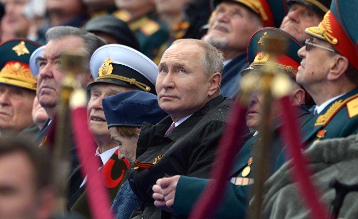 Президент РФ В. Путин на военном параде в честь 76-й годовщины Победы в ВОВ