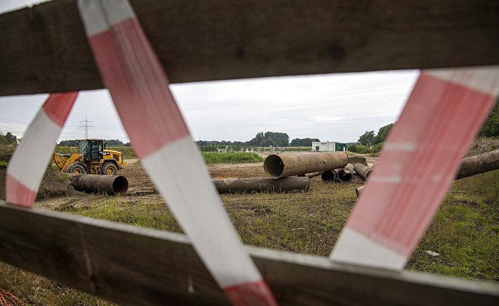 Трубы для газопровода Nord Stream 2 недалеко от деревни Врангельсбург