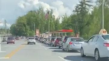 Очередь на заправочных станциях в Северной Каролине
