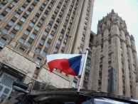Флаг на автомобиле посла Чехии