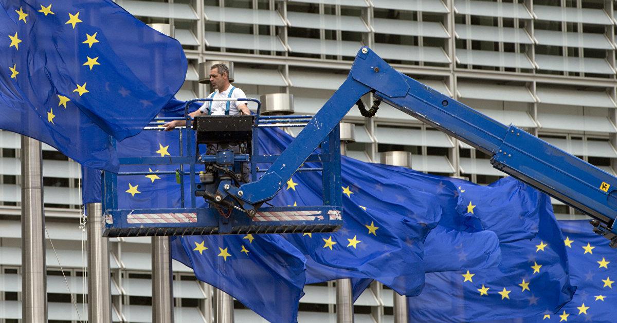 Еврокомиссия заблокировала пакет финансовой помощи Польше и Венгрии