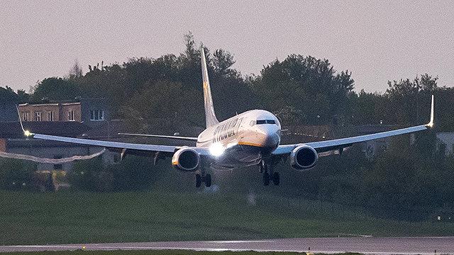Читатели Таймс о посадке самолета Ryanair в Минске: а как насчет принудительной посадки самолета в Вене в 2013-м