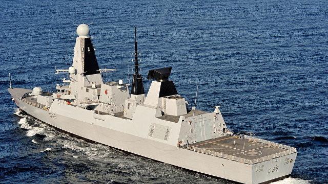 The Daily Mail (Великобритания): королевский флот отрицает как совсем ложные утверждения России, что ВВС и ВМС Путина отогнали британский эсминец от