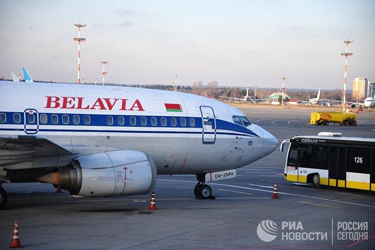 "Самолет Boeing 737-500 авиакомпании ""Белавиа"""