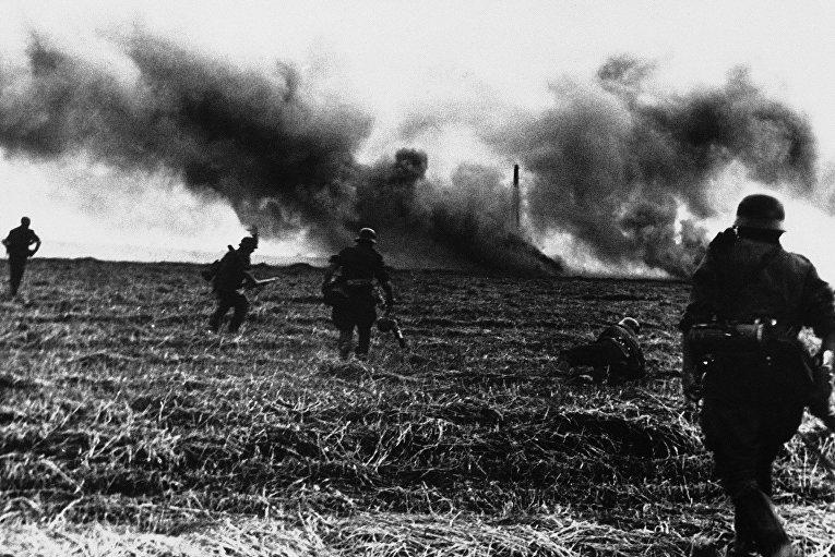 Немецкие солдаты на подступах к Киеву. 8 октября 1941