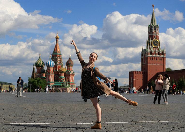 Британская балерина Рэйчел Армстронг