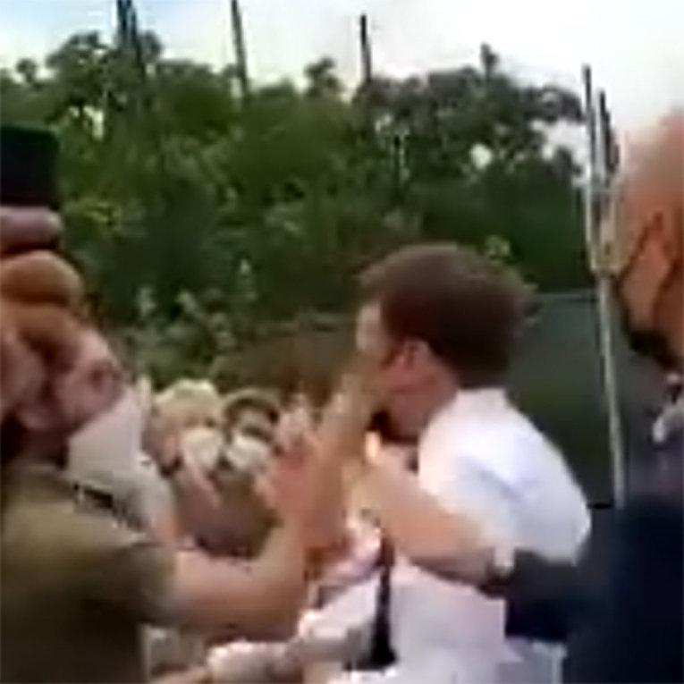 Президент Франции Макрон получил пощечину от мужчины