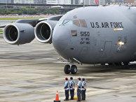 Военный самолет США с группой американских сенаторов прибыл в аэропорт Суншань в Тайбэе, Тайвань