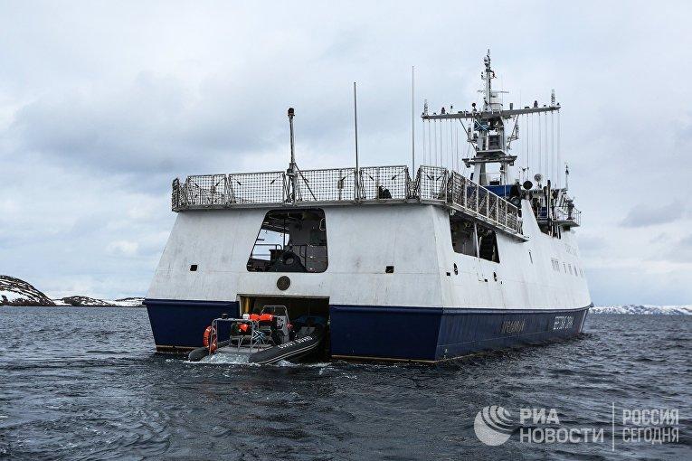 Сотрудники береговой охраны пограничного управления ФСБ России