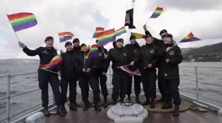 Норвежский флот принял участие в гей-параде