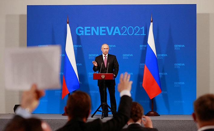 Президент РФ Владимир Путин на пресс-конференции в Женеве