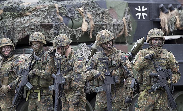 Солдаты немецкого бундесвера на военной базе Рукла в Литве
