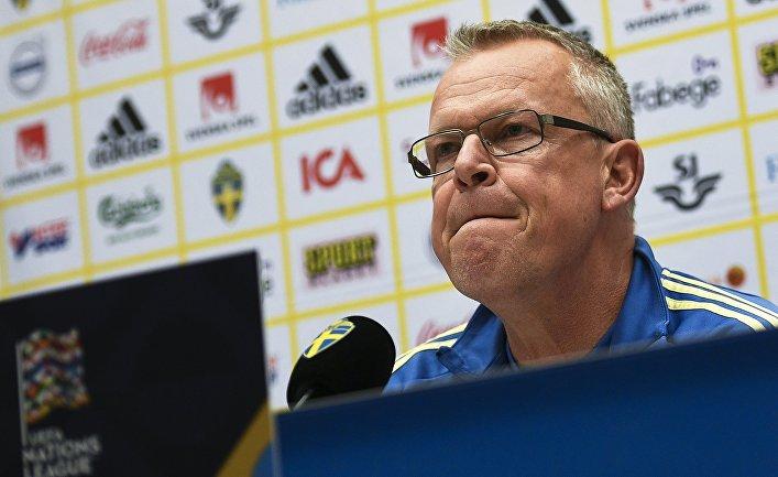 Главный тренер сборной Швеции по футболу Янне Андерссон на пресс-конференции