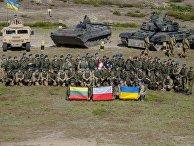 Бойцы литовско-польско-украинской бригады на церемонии открытия учений «Анаконда-2016»
