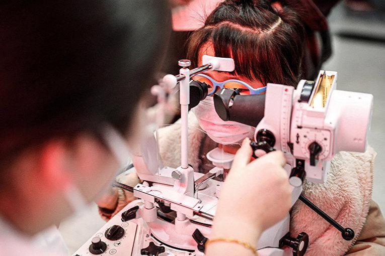 Проверка зрения у детей в Шэньян, Китай