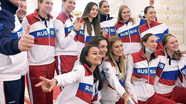 По сути  Россия, только под другим названием: команда ОКР отправляется в Токио с менталитетом обитателей осажденной крепости (The Guardian, Великобри