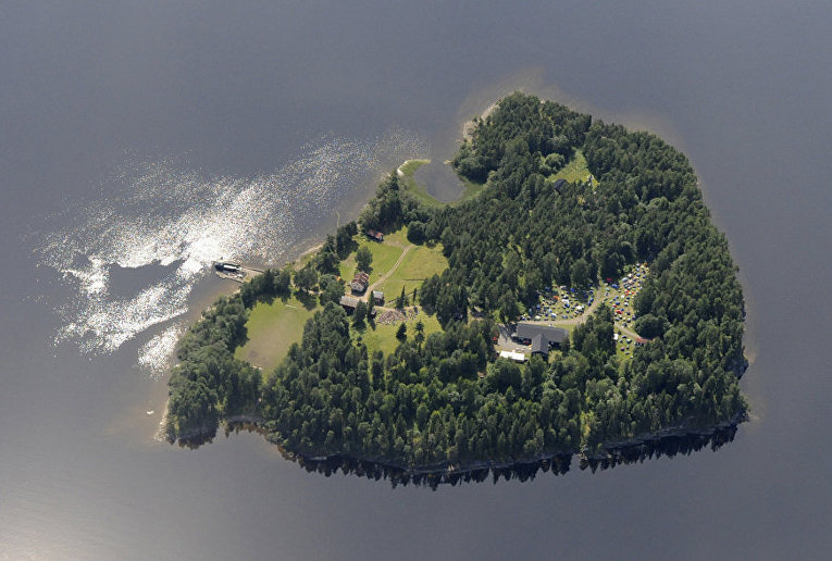 Остров Утёйя, Норвегия, снимок с воздуха