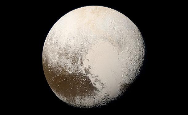 Снимок Плутона в естественных цветах