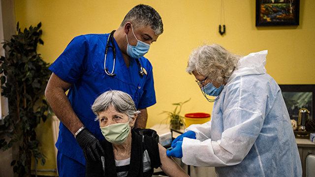 Кацаров: отсутствие приоритета вакцинации пожилых людей стоило нам десяти тысяч жизней (Nova, Болгария)