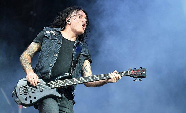 Бас-гитарист группы Louna Виталий Демиденко (Вит)