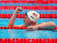 Американская пловчиха Лилли Кинг
