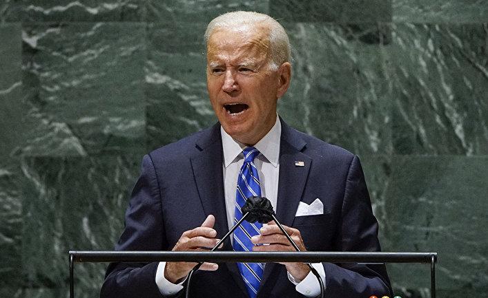 Президент США Джо Байден выступает на 76-й сессии Генеральной Ассамблеи в Штаб-квартире ООН в Нью-Йорке